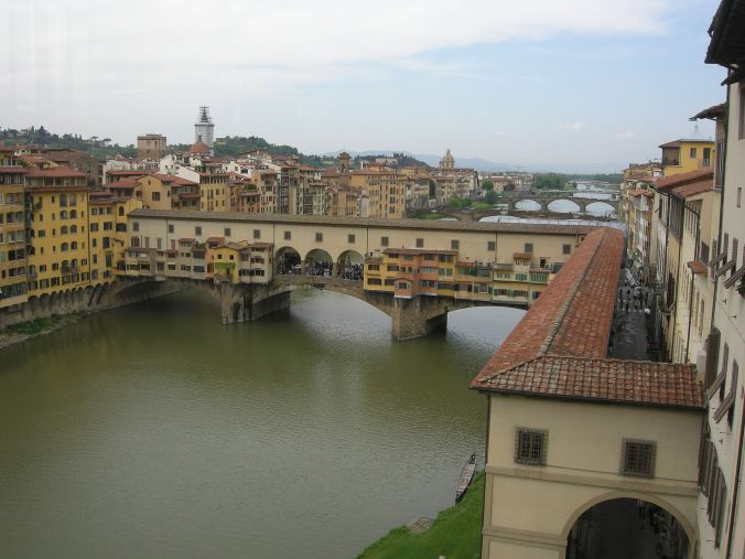 The Vasari Corridor running from the Uffizi Gallery on the right, turning into the Ponte Vecchio Bridge to join the Palazzo Pitti.