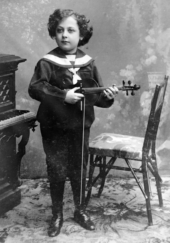 heifetz_as_a_young_boy